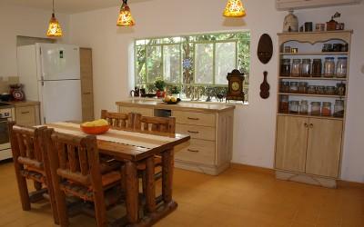 מטבחים כפריים – שילוב מנצח של מעצב ויוצר מטבחים באדם אחד