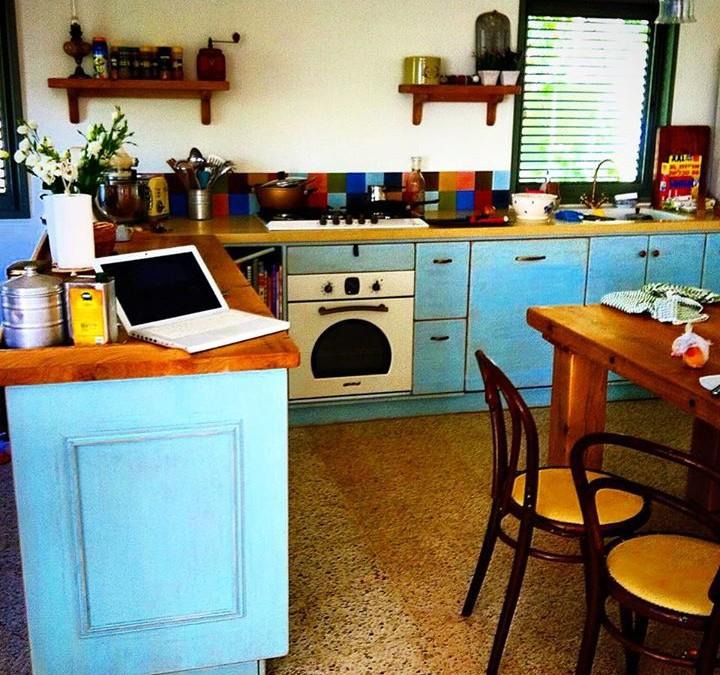 מטבחים כפריים – יופי, חום וביתיות במטבח אחד